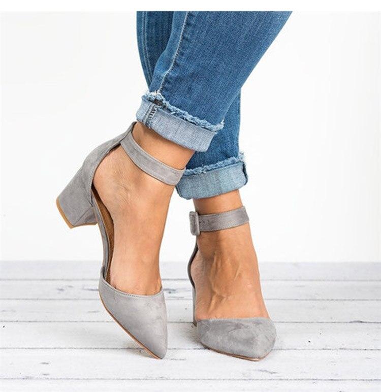 HTB17CW5bjnuK1RkSmFPq6AuzFXaV Factory Direct Low Heels Sandals Women Ankle Strap Summer Shoes Female Plus Size 43 Block Heels Women Shoes 2019 Casual Sandals