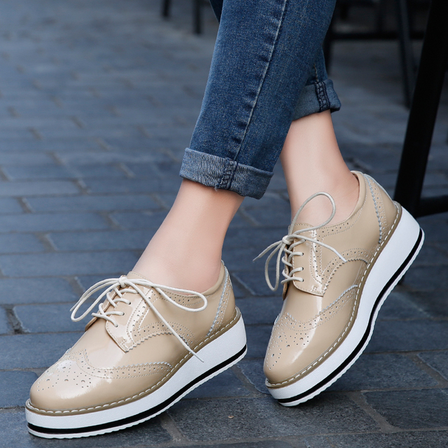 Women Platform Oxfords Brogue Patent Leather Flats Lace Up Shoes Pointed Toe  Creepers Vintage luxury beige