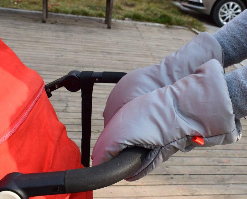 Invierno pram mano muff cochecito caliente Fur Fleece mano cubierta buggy embrague carrito Muff Glove stroller Accesorios