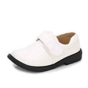 Chłopcy antypoślizgowe płaskie skórzane buty dla dzieci miękka podeszwa sukienka buty dziewczyny moda ślub wydajność pojedyncze buty AA60232