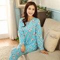 100% de Alta Qualidade 2017 Nova Outono Inverno Azul Cerveja e cão Cheio Bonito Pijamas Pijamas de Mulher Para Casa Roupas 2 Peça Sleepwear