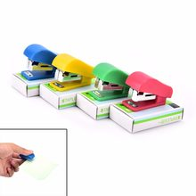 1 Set Mini Stapler Plastik Alat Tulis Set Kawaii Stapler Kertas Kantor Staples(China)