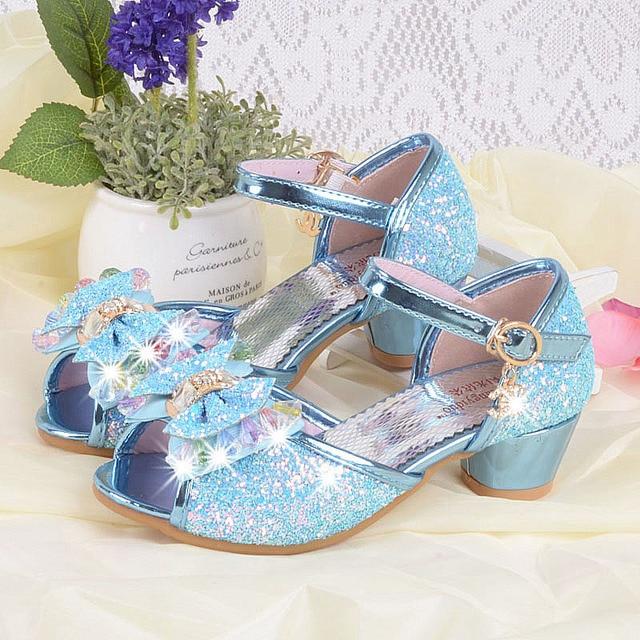 c0ec16f84 الأطفال الفتيات الصنادل أزياء الأميرة الأحذية ذات الكعب الصنادل الصيفية  للأطفال بنات الراين حزب أحذية الصنادل