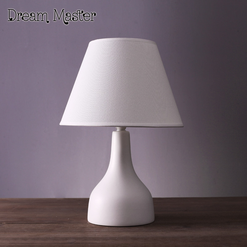 Nordic simple modern table lamp living room  bedroom bedside creative American lovely warm ceramic table lamp Postage free desk lamps table lamp nordic bedroom bedside creative american ceramic simple modern fashion cute warm bedside lamp cl fg321