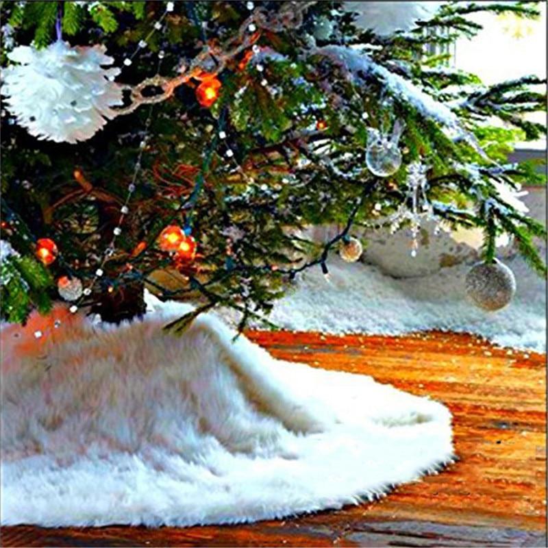 High quality 78CM Diameter Pure White Christmas Tree Skirt Xmas Tree Decoration Snowflakes Xmas Tree Cover Decor in Tree Skirts from Home Garden
