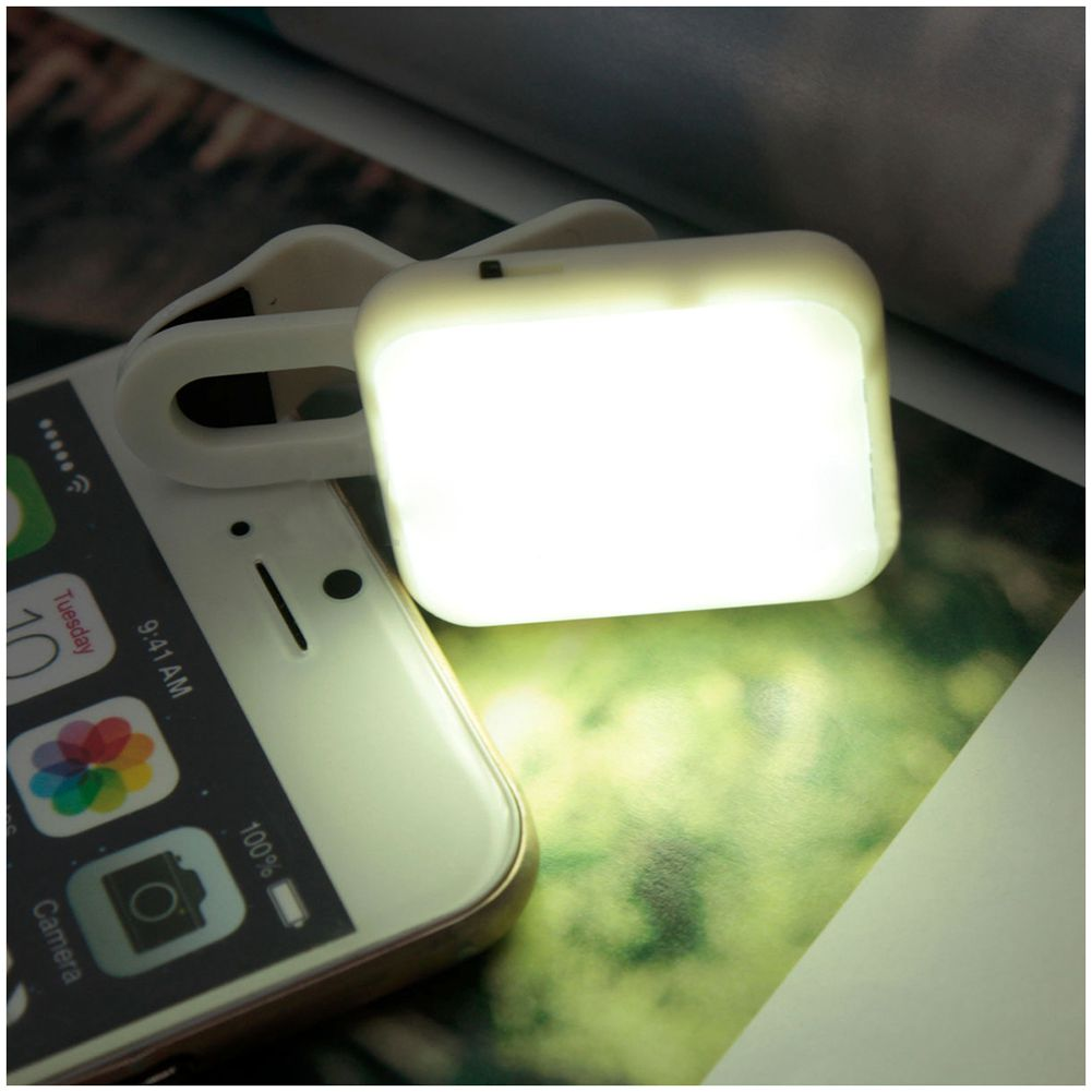 Portable Mini LED Flash Fill Selfie Light Lamp Outdoor Lighting For Phone Tablet ( White / Black / Purple )