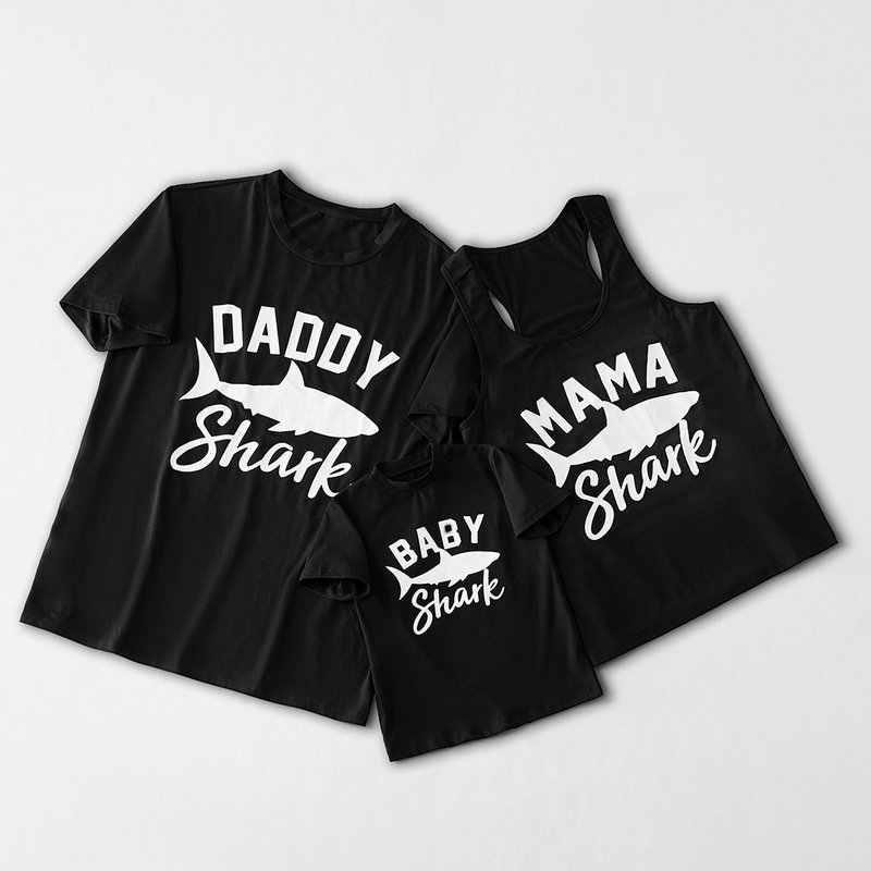 แขนสั้นลูกชายพ่อลูกสาว Shark Tshirt ฤดูร้อนสีดำ 2019 ครอบครัวดูตรงกับ Mommy Daddy Me สาวเสื้อยืดเสื้อผ้า