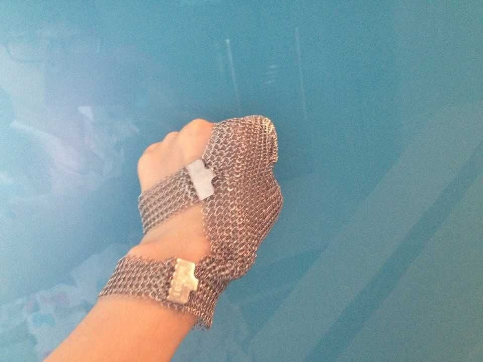 Two finger hook strap stainless steel finger protect glove two finger steel glove