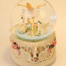 WBY-719+ Танцующая балерина поворотный музыкальный хрустальный шар музыкальная шкатулка с тех пор, как плавающие снежинки творческий подарок на день рождения
