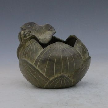 Collectible Chinese Bronze Hand-carved Lotus Incense Burner w Xuan de Mark
