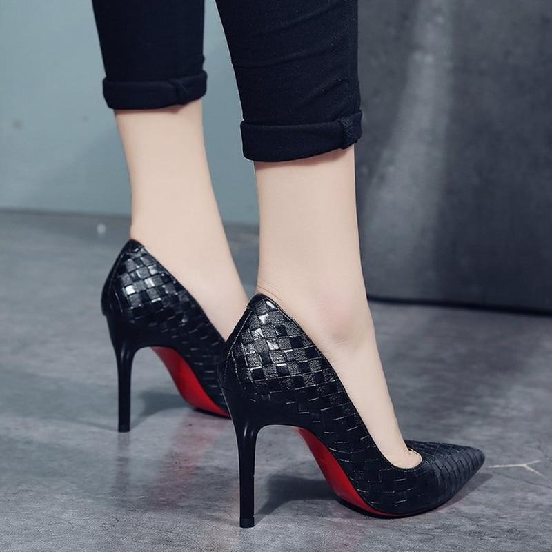 Europa Sexy zapatos de mujer rojo inferior tacones altos bombas PRIMAVERA/otoño 2019 nuevos tacones finos puntiagudos zapatos de fiesta de Mujer Zapatos Verano caliente zapatos de mujer lado con puntera Zapatos de vestir Zapatos de tacón alto zapatos de barco zapatos de boda tenis sandalias femeninas # A08