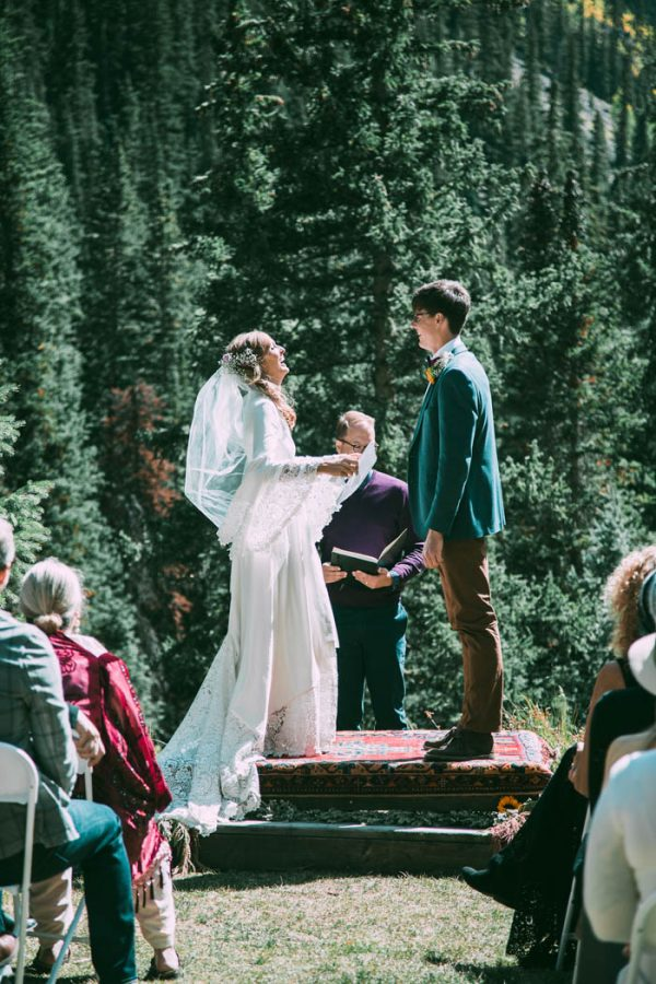 Intimate-Southwest-Colorado-Wedding-in-the-Mountains-Lauren-Parker-Photography-10-600x900