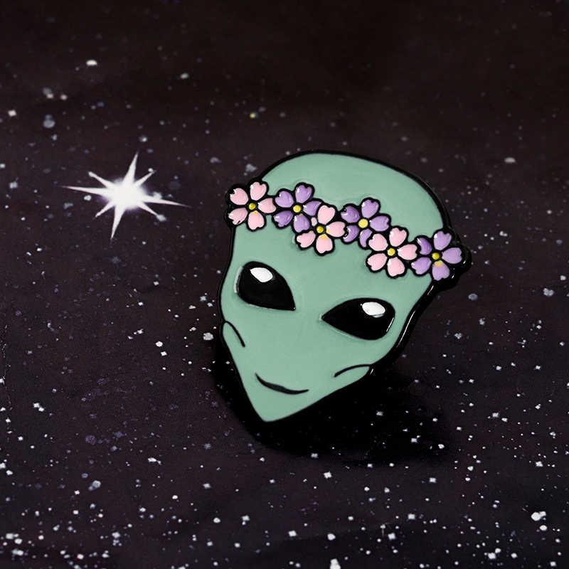 Alien Arrivo! Carino Divertente Spazio Esterno Corona di Fiori Alieno Piattino Uomo Morbido Smalto Spille Risvolto Spilli Moda Regalo Per Gli Amici