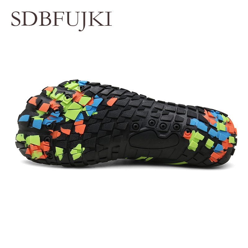 2019 Men Women Aqua Shoes Summer Beach Wading Shoes Swimming Quick Dry Breath Rubber Reef Non slip On surf Water Shoes SDBFUJKI in Beach Outdoor Sandals from Sports Entertainment