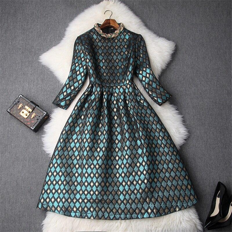 Nouveau 2018 Automne Robes pour Femmes Élégant Col montant Perles Or Vintage En Relief Jacquard Robe Casual Mi-mollet Robes