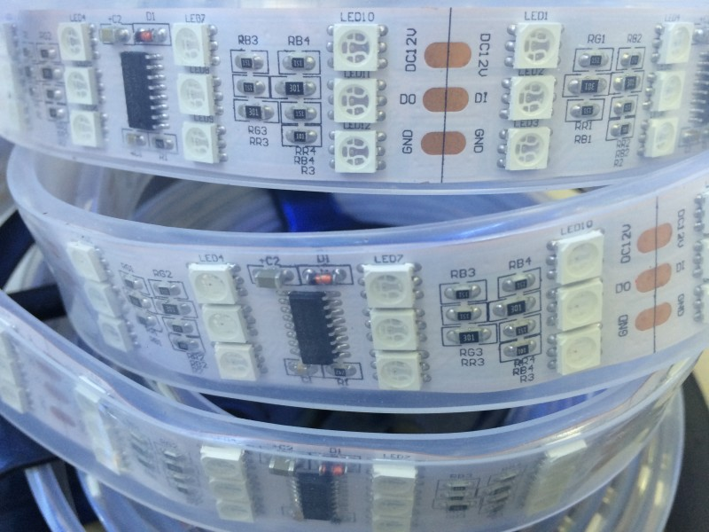12V անջրանցիկ TM1812 5050 RGB առաջատար պիքսելային ժապավեն 5 մ 144leds / մ Երեք տող թվային երազի գույնի ճկուն ժապավեն գույնի թեթև անվճար առաքում