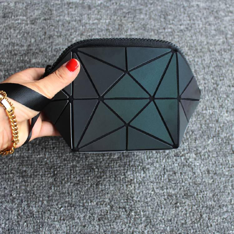 2017Hot-selling Reflect Light Semicircle Cosmetic Bag Women Brand New Pouch Geometric  Noctilucent Makeup Bag