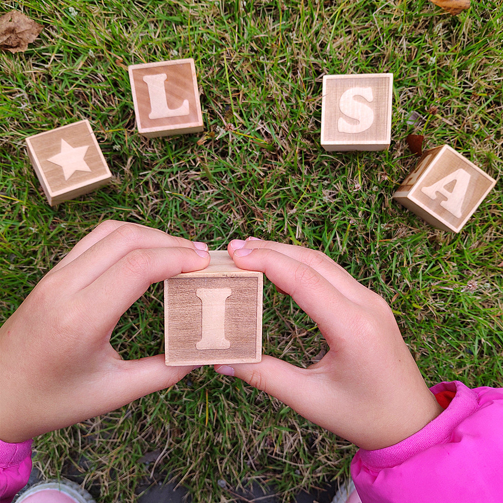 1pcs Personalized Wood Name Blocks Wooden Cube Toy Custom Letters Baby Toys Gift Custom Name Alphabet Numbers Educational Game