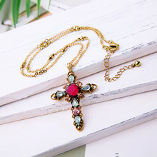 KISS ME Red Green Glass Acrylic Cross Necklaces & Pendants Gold Color Link Chain Women Necklace Alloy Retro Accessories(China)