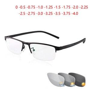 Image 1 - 0  0.5  0.75 a 4 Mezza Cornice di Photochromism Miopia Occhiali Da Uomo Quadrato In Metallo Da Sole Scolorimento Corta gli Occhiali miopi Delle Donne