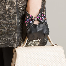 High Quality Fashion Diamond Women Gloves Goatskin
