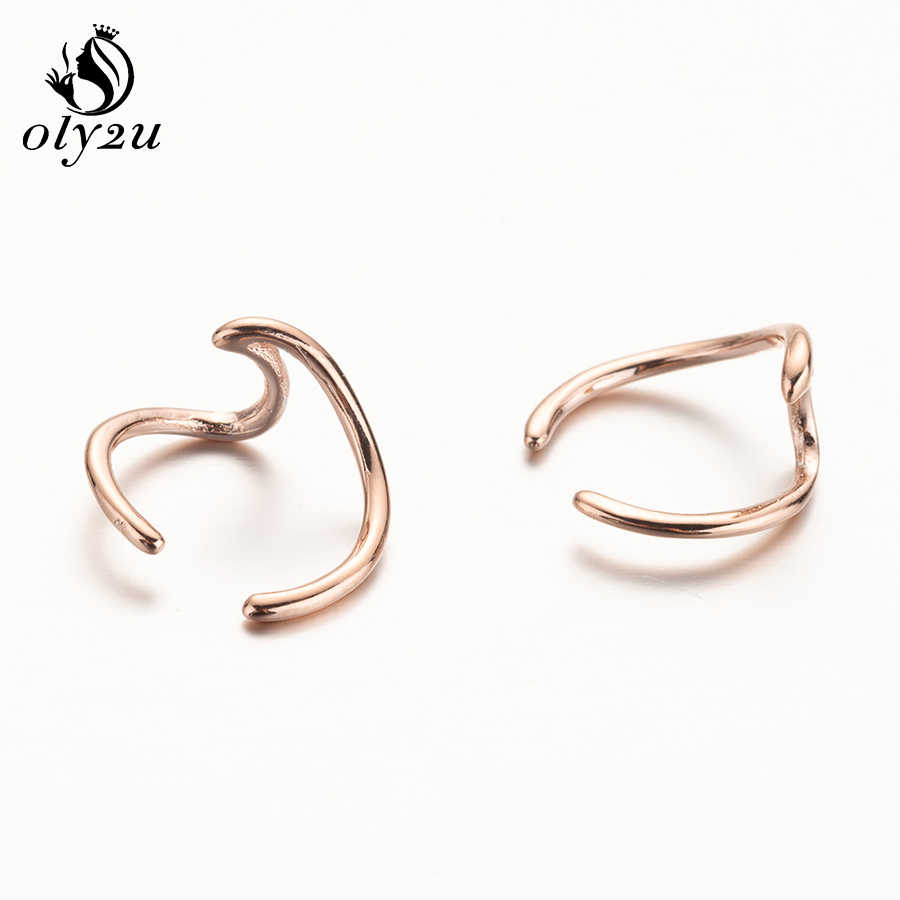 Oly2u Wave หูกระดูกอ่อนต่างหูผู้หญิงเครื่องประดับ Twisted Ear Cuff Boho ปลอม Conch Piercing ต่างหู brincos