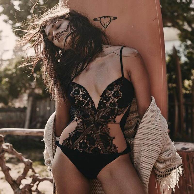 2018 New fashion one piece swimwear sexy lace beachwear deep V bathing suit women trasparent black swimsuit backless bodysuit newest sexy one piece women swimwear black white deep v neck backless rope lace up bodysuit swimsuit hollow out trajes de bano
