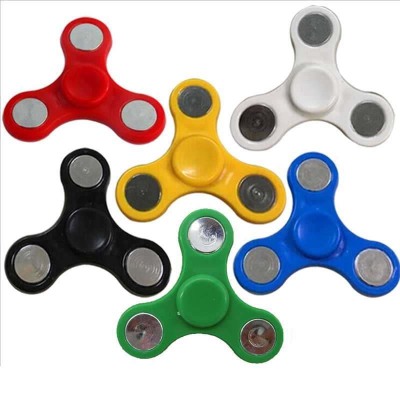 Tri-Spinner Fidget Spinner Toy Plastic Finger Hand Spinner For Autism ADD and ADHD Sufferers Helps Relieve Stress Random Color
