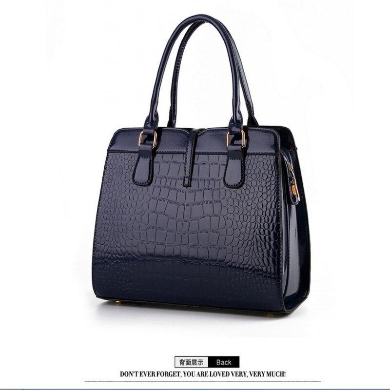 100% Genuine leather Women handbags 2017 new light leather bag female crocodile high-grade shoulder bags of western style bag