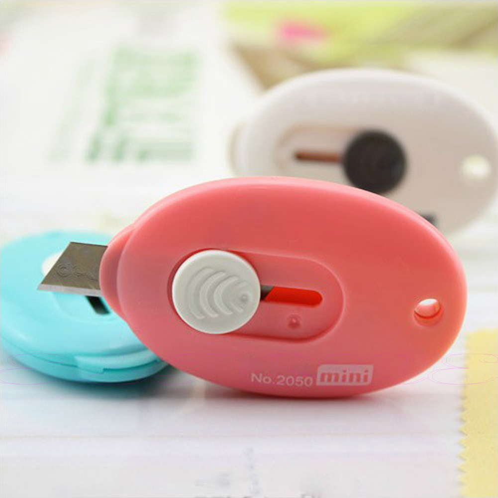 New DIY Tool Mini Cute Kawaii Utility Knife Box Cutter Retractable Razor Blade Random Colors School Office Tationery