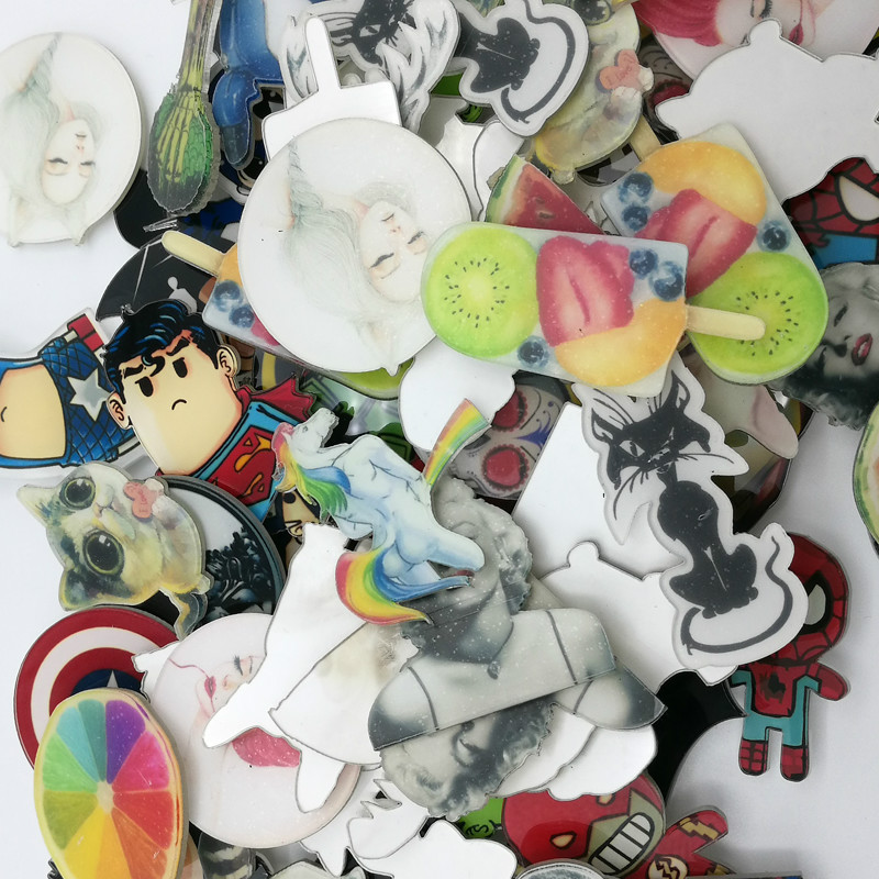 Gernro Random 1 Set 200 PCS Acrylic Badges Free Shipping Badges on Backpack Anime Icons Badge