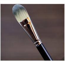 Liquid Flat Foundation Cream Brush