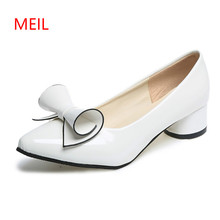2018 Shoes Women Bow Low Heels Ladies Heels Bridal Shoes Patent Leather Footwear Female White Red Black Heels Plus Size 42 43 цены онлайн