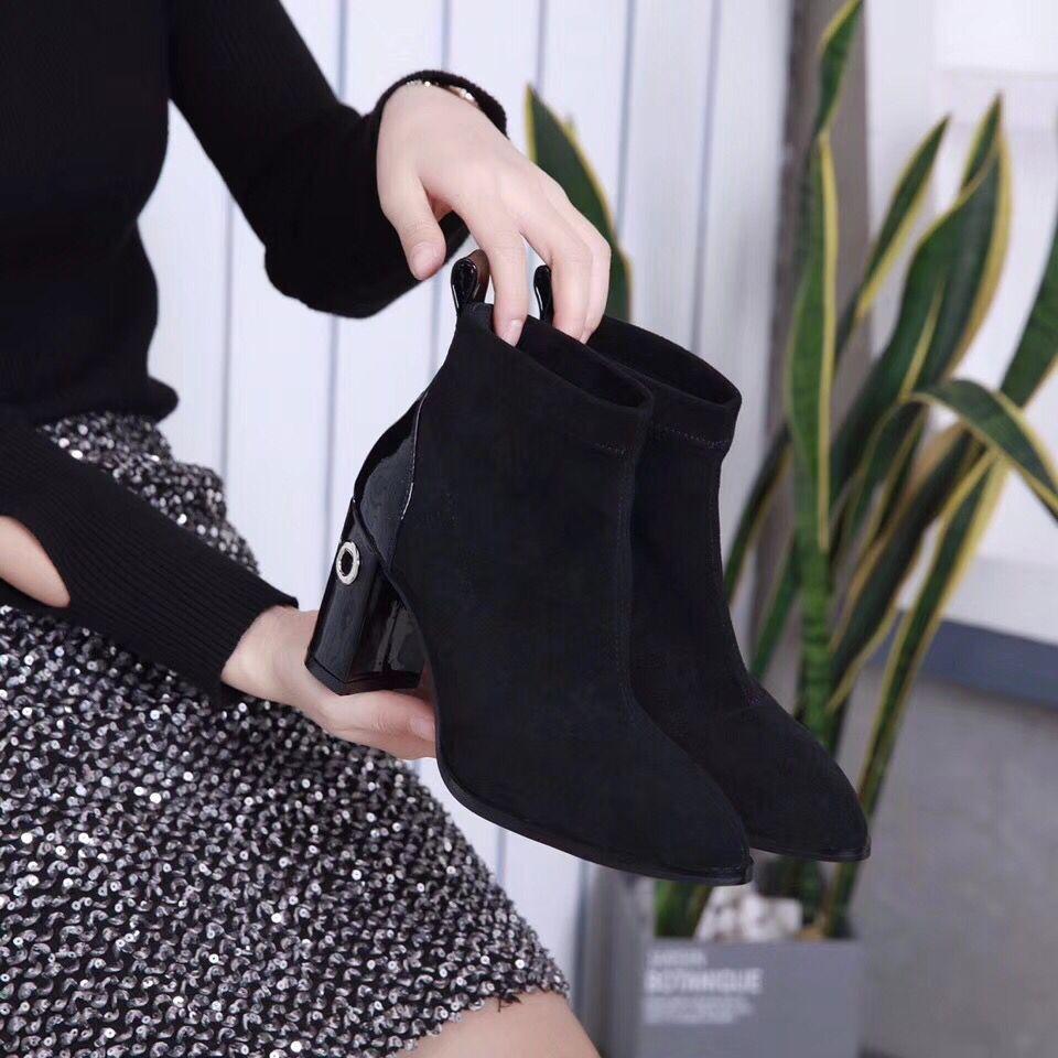 Slip Rapide Livraison Automne Confortable Haute En Rond Véritable Cuir Femmes Nouvelle Sur Court Bout 2018 Et Chaussures Arrivée Bottes D'hiver Talon q15w7