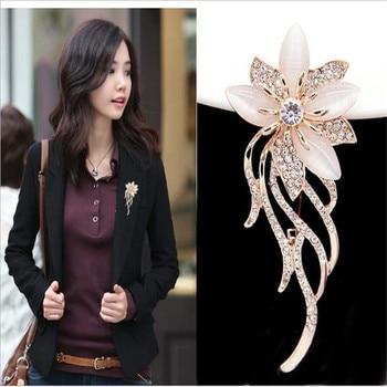 Nuevos broches de diamante de imitación de cristal a la moda, grandes y elegantes flores para bodas, la mejor brocha de joyería nupcial, accesorios para vestidos de regalo
