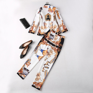 Image 2 - HIGH QUALITY New Fashion 2020 Deesigner Runway Suit Set Womens Lion Buttons Retro Pattern Printed Blazer Pants Suits