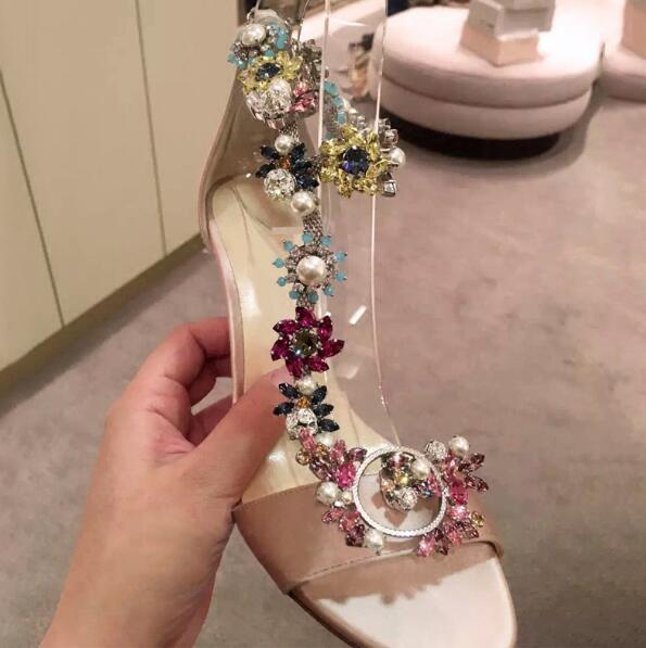 Spring New Arrival Elegant Sweet Flower Crystal Thin Heel Sandals Pearl Decoration  Champagne Leather Woman Pumps Stiletto