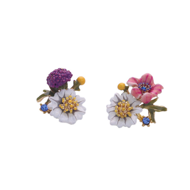 Asymmetric enamel drops glaze daisy flowers women 's earrings Europe and the United States trade jewelry factory direct