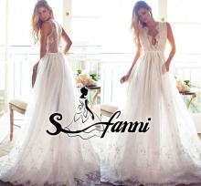 2017 Elegant A Line Beach Wedding Dresses Lace Sexy Deep V-neck Sheer Backless Appliques Sweep Train Bridal Gowns vestidos de no