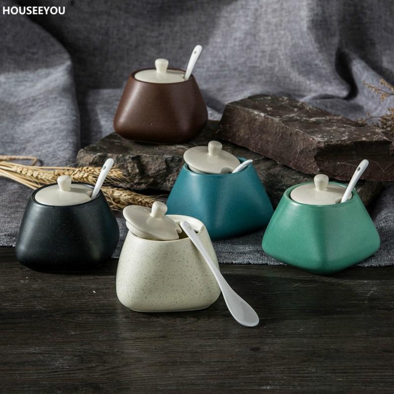 Creative Ceramics Storage Container with Cover with Spoon Salt Kitchen Seasoning Jar Oil Sugar Bottle Sugar & Creamer Pots