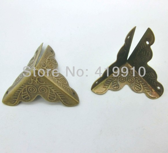 Free Shipping-50pcs Antique Bronze Pattern Carved Metal Book Corner Albums Menus Folders Corner Protectors 35mmx26mm J1311