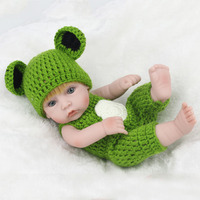 28CM /11.02in Simulation Regenerated Baby Doll in Green Clothes Reborn Lifelike Baby Companion Doll Can be Put into the Water