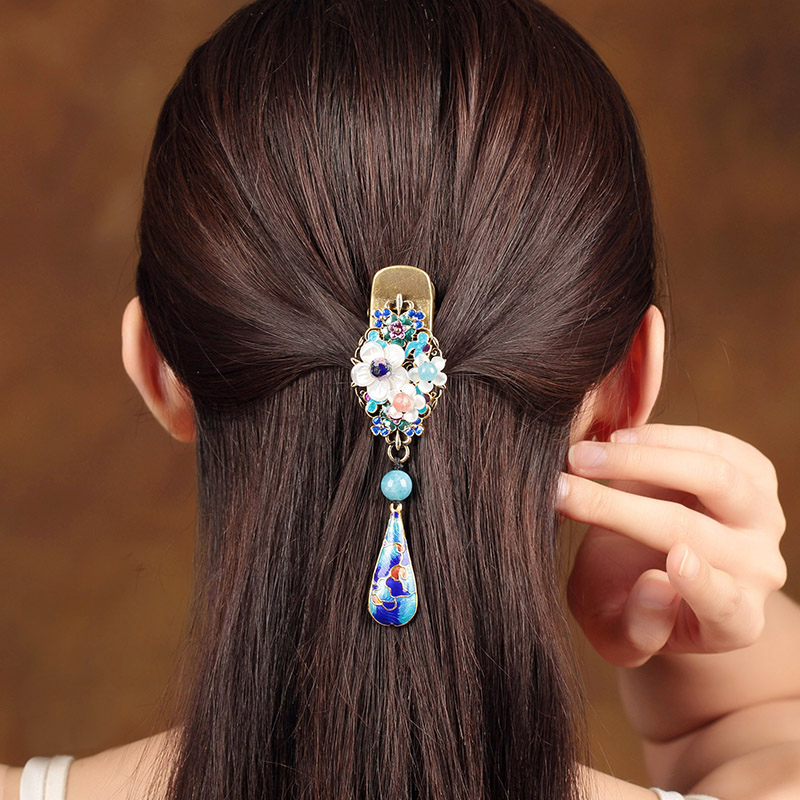 все цены на Claw handmade shell Carved hair accessories hairpins Retro hair claw clip for Lady Hair Jewelry Accessories Pendant