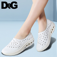 DQG 2018 Smmuer Casual Women Shoes Leather Hollow Breathable Zapatos Mujer Flat Platform Slip On Ladies