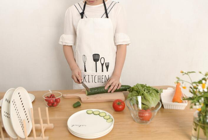 Newest 1Pcs/sets Hot Sale New Cooking Apron Funny Novelty BBQ Party Apron A knife and fork for Men Women Kitchen Cooking Apron
