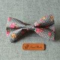 Novos Homens Vestuário de Algodão Gravata borboleta Floral Impresso Bowtie para Noivo Casamento Gravata Colarinho Fino Do Vintage Pastoral Magro Gravata Gravata