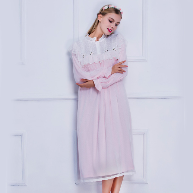 Sleepwear Nightgown Women 2017 New Fashion Sleepwear Dress Pink Vintage  Royal Princess Nightwear Embroidery Long Nightgown 4a869e813