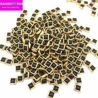 Diy 새로운 뜨거운 판매 연예인 아플리케 serging 화이트 블랙 4*4 미리메터 1440 개/갑 dmc 금속 세라믹 핫픽스 의류