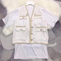 2019 New 2 Piece Set Elegant vest +White Tee Suit LooseTweed Vest Women Sleeveless Jacket Blazer Lady Wear with Letter Brooch