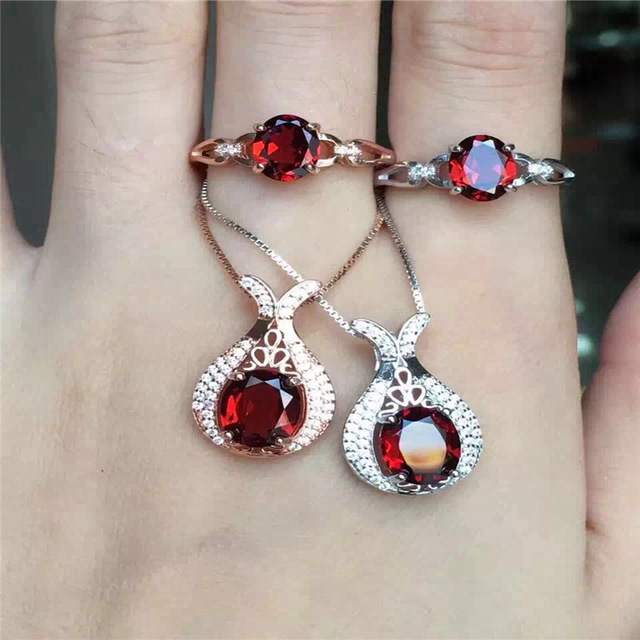 925 Sterling Silver Garnet Ring Pendant with two piece set free postage